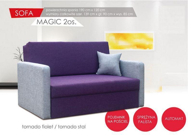 rozkładana sofa w kolorze fioletowym