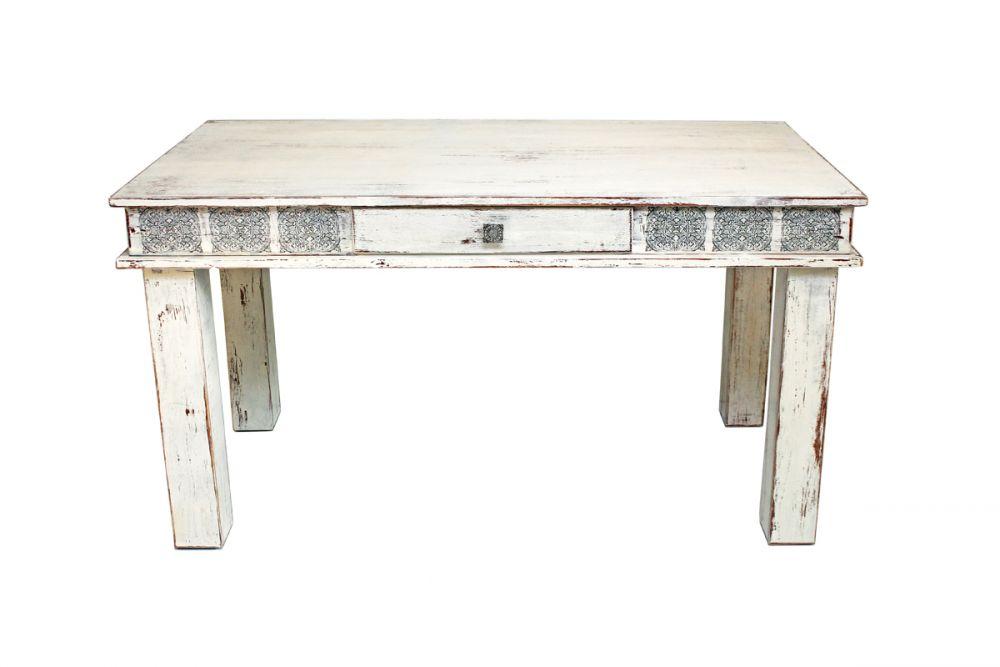 Postarzany stół z ornamentem