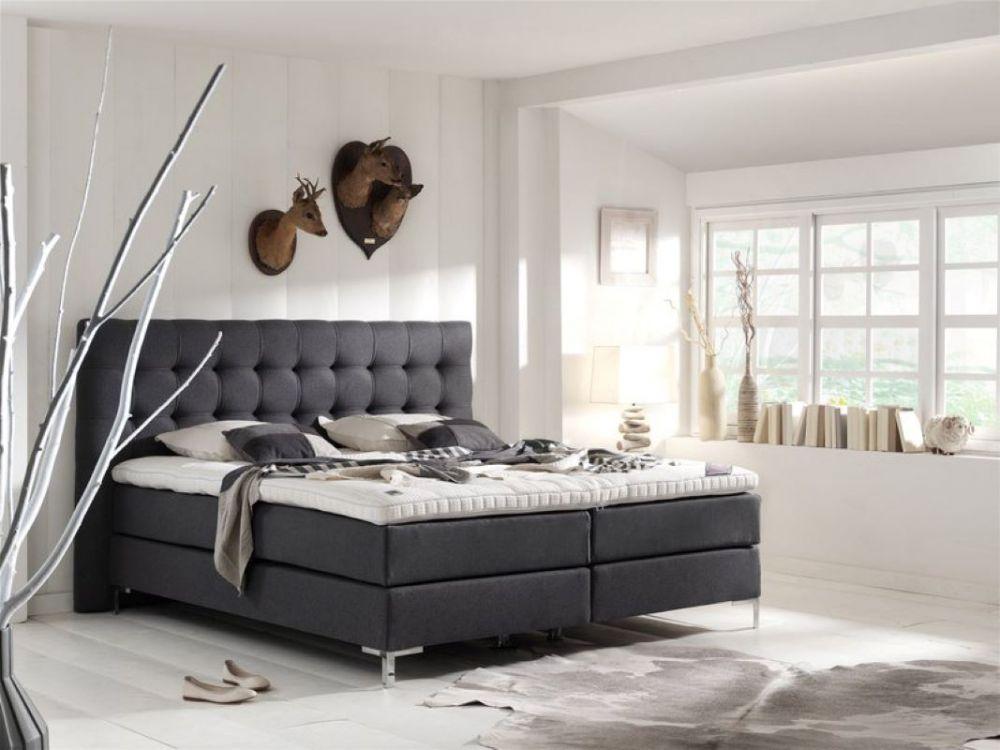 Tapicerowane łóżko kontynentalne